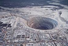 بئر كولا -أعمق حفرة وصل إليها الإنسان ولم يخترق قشرة الأرض ومعلومات حولها